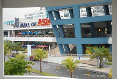 Mall of Asia in the rain (J. Tewell) Tags: seafood manilaphilippines mallofasia manilaphilippinesseafood