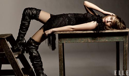 Miley-Cyrus_article_horizontal