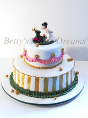 Bride kissing (Bettys Sugar Dreams) Tags: cake germany bride princess hamburg hochzeitstorte anleitung fondant frogprince braut weddingcakes froschknig prinzessin caketop hochzeitstorten herstellung theprincessandthefrog sugardreamsde bettinaschliephakeburchardt bettyssugardreams kssdenfrosch