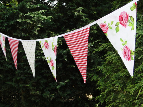 Red and white, rose summer bunting
