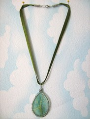 Green String-pendant Necklace