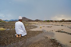 prayer (chireeco) Tags: rain gulf flood prayer arab oman ramadan wadi ramadhan gcc arabiangulf  sultanateofoman       sharqiya      alsharqiya