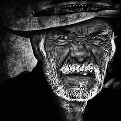 Emotions (Alfredo11) Tags: old portrait people bw art texture face mexico blackwhite nikon arte gente retrato cara alfredo anciano emotions texturas rostro treatment blanconegro tratamiento emociones nikoncreativelightingsystem nikon80400mm nikond300 seriestreetphotography
