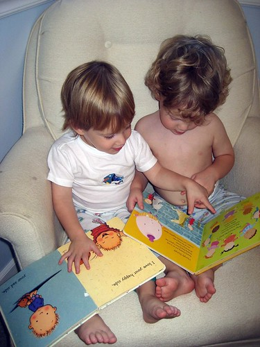 little readers (the chair)