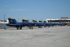DSC01138 (nwalsh87) Tags: toronto waterfront cne formation airshow hornet blueangels usnavy 2009 ontarioplace pilots fa18 cias peasroninternational