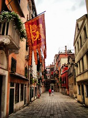 Venecia 05 (KidLoko) Tags: street venice italy david italia flag sony venecia h9 acevedo kidlokofoto