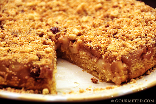 Apple Crumble Upside Down Cake