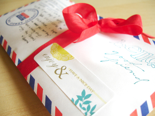 packaging: airmail.