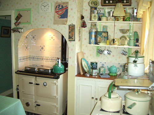Most Interesting Photos From Charming Vintage Style Kitchens Pool