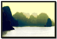 Vietnam (jmboyer) Tags: voyage travel beauty canon photography photo yahoo asia southeastasia flickr vietnam viajes lonely asie lonelyplanet monde canoneos300d halong nam halongbay gettyimages nationalgeographic voyages travelphotography googleimage go googlephotos vit photoflickr photosflickr canonfrance earthasia photosyahoo imagesgoogle flickrlovers jmboyer photogo nationalgeographie photosgoogleearth