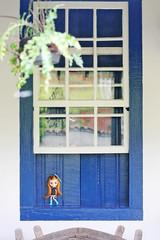 Mai and the blue window.