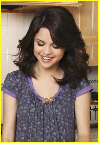 selena-gomez-mom-happiness-02