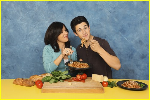 david-henrie-pamper-mom-02