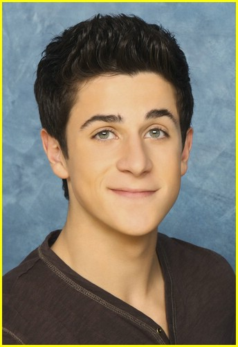 david-henrie-pamper-mom-03