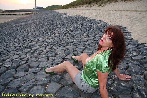 in public flashing clips nudity pics: beach, legs, coast, sexy, publicnudity, glamourous, public, sensual, breasts, highheels, miniskirt, redhead, glamour, green, seashore
