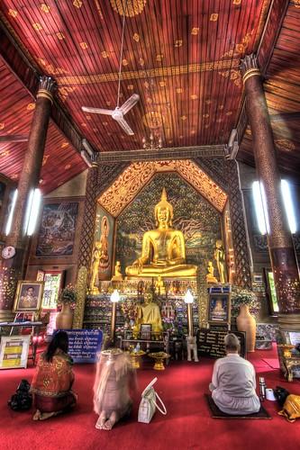 Inside Wat Chiang Man