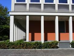 Hansaviertel  Berlin Tiergarten (sludgegulper) Tags: berlin architecture modern moderne flats 1957 architektur wohnung tiergarten hansaviertel hansa hochhaus viertel aufbau wohnungen