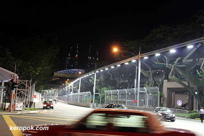 Night lights of the Singapore GP