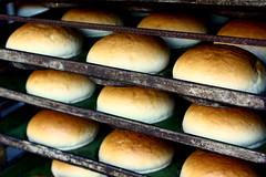fırın önü (nilgun erzik) Tags: türkiye istanbul fırın ekmek fotografkıraathanesi fotografca biyerlerde eylul2009