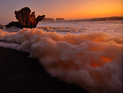 Big Foam, Rialto Beach, Forks area, Washington State (Don Briggs) Tags: ocean sunset foam pacificnorthwest olympicnationalpark donbriggs nikond5000 flipdownlcd 1224tokinalens rialtobeachforksareawashingtonstate