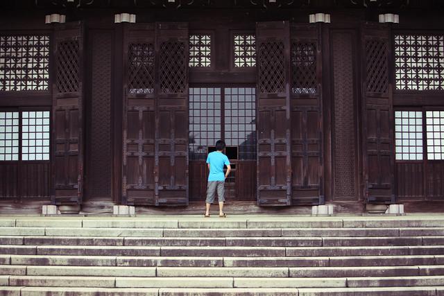 古びた寺院