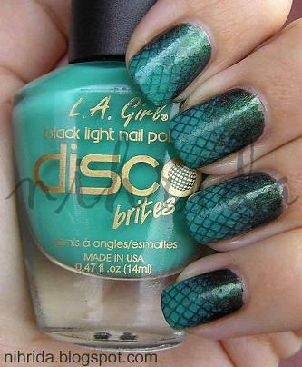 konad nail design