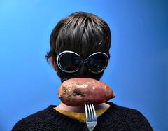 365 :: 23 (tofu&ketchup) Tags: selfportrait fork sweetpotato backofmyhead 365days nicolerichiesunglasses vegetablewednesday