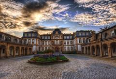 Büsing Palais (rawshooter72) Tags: sky castle architecture clouds canon eos palais hdr hdri offenbach photomatix tonemapped büsing 1000d
