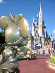 Minnie Mouse and Cinderella Castle (meeko_) Tags: minnie mouse minniemouse statue cinderella castle cinderellacastle thehub magic kingdom magickingdom themepark walt disney world waltdisneyworld florida disneyphotochallenge disneyphotochallengewinner