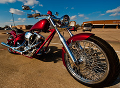 Santa's red chopper (b.campbell65) Tags: red usa bike rouge dallas chopper nikon texas bikes moto motos 14mm abigfave aplusphoto d700 beautyunnoticed