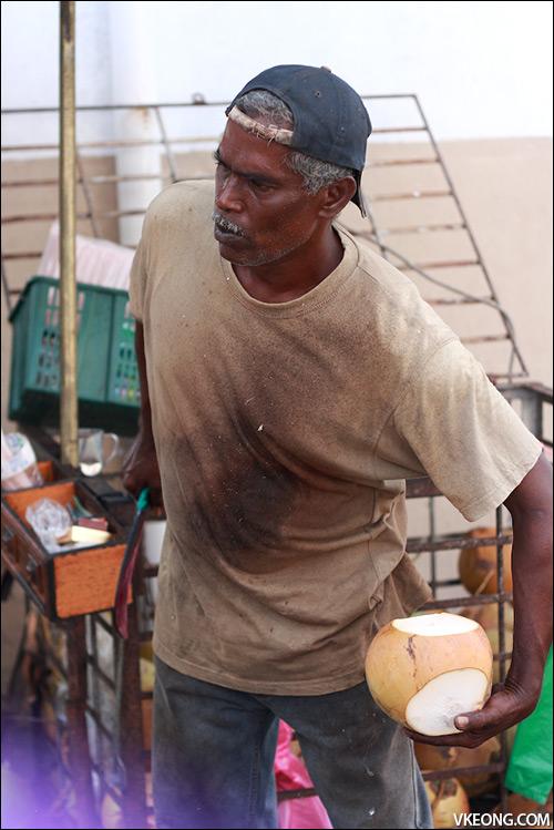 coconut-opener