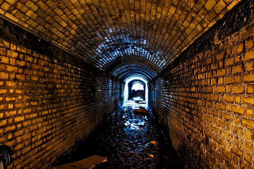 Disused passenger subway, Horbury, Yorks, Jan '09 10 snaps 3249743507_5f7a8e2a1a