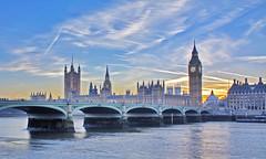[フリー画像] [人工風景] [建造物/建築物] [橋の風景] [ビッグ・ベン] [ウェストミンスター宮殿] [世界遺産] [城/宮殿] [イギリス風景] [ロンドン]  [フリー素材]