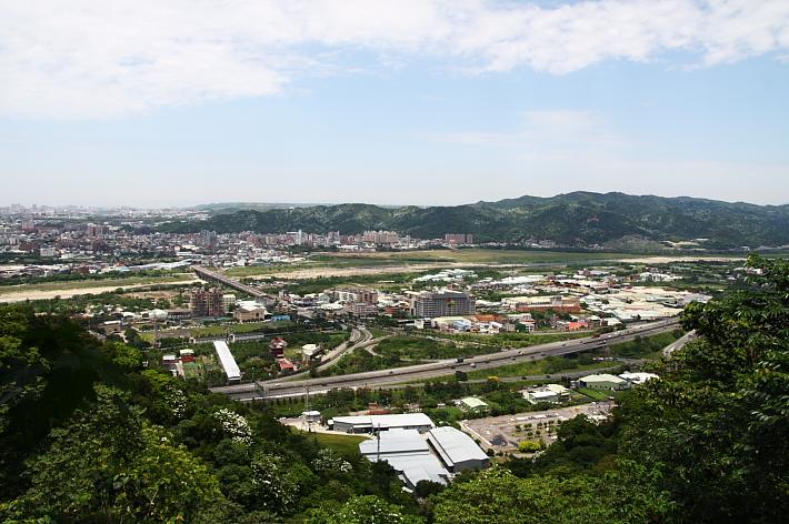 三峽賞桐鳶山步道、銅鐘08