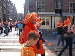 Queens Day, Amsterdam 2009 (sjrowe53) Tags: sunset amsterdam thenetherlands funday partytime lelystad queensday