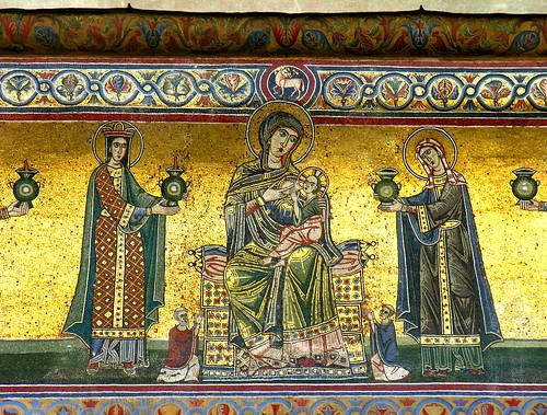 Mosaic of nursing Mary in Santa Maria in Trastevere