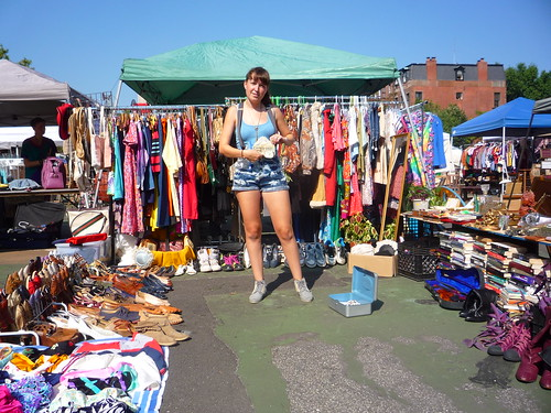chiara at the flea