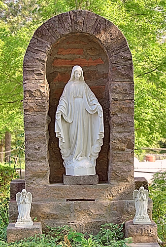 Our Lady Help of Christians Roman Catholic Church, in Weingarten, Missouri, USA - grotto of Our Lady