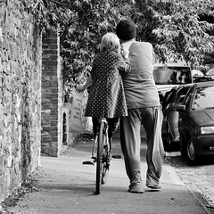 Lift Home (gothick_matt) Tags: uk home bike bicycle bristol dad lift ride unitedkingdom daughter places together cycle push clifton carry moocards2009 gothickportfolio