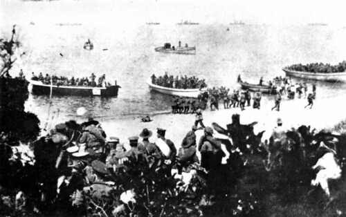 Australians landing at Suvla Bay, Turkey, 25 April 1915 | Flickr ...