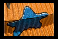Be my star (Thomaniac) Tags: star stern blue blau orange lamp structure paper papier texture vivid color farbig bunt macro closeup nahaufnahme canon eos 450d thomaniac