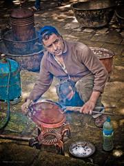 Polishing Copper (Luc V. de Zeeuw) Tags: morocco fes fesboulemane lucvdezeeuw lucdezeeuw