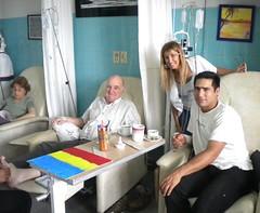 pacientes-quimioterapia-pintan-con-vicky-viel