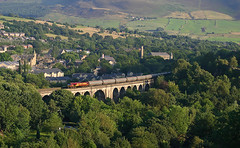 Returning Stalybridge Tanks On Saddleworth Viaduct. (neilh156) Tags: shed railway class66 ews 66124 saddleworthviaduct stalybridgetanks