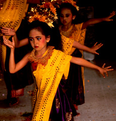 Bali Dancers / Balinese Dance - Perforated Shawls (Dominic's pics) Tags: bali orange yellow indonesia gold golden dance costume dancers traditional culture slide scan event filter transparency 1998 shawl noise hindu performer dharma canoscan perforated balinese agama seriousexpression reducenoise balinesedance 8800f agamahindudharma