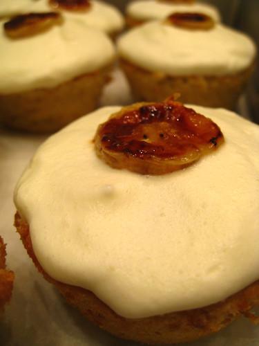 banana-caramel chiffon cupcakes