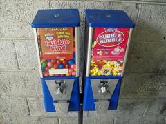 bubblegum (AlyssaSunshine) Tags: gum machine bubblegum alyssasunshine