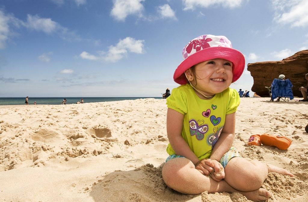 Léonie à la plage
