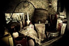 oggi e ieri (Vera Roveda [CasaMammolo]) Tags: toscana oggetti cose contrasto anticato