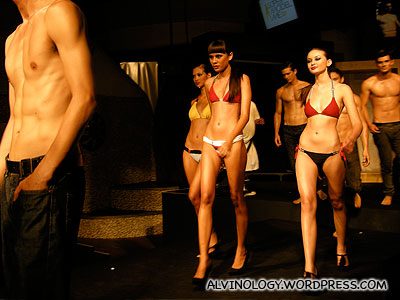 The three grand finalists in bikini